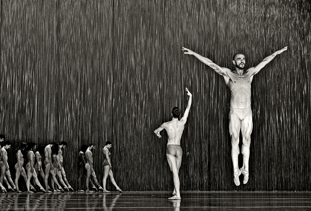 "Ballet National de Marseille, ""Extremalism"" - Festival Montpellier Danse 2015"