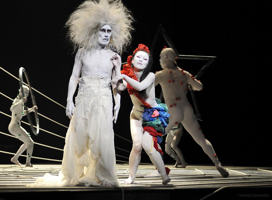 """Dairakudakan, """"Virus"""" - Festival Montpellier Danse 2013"""